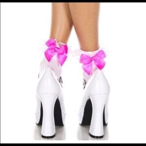 Opaque Ankle High Socks with Ruffle and Bow Pink